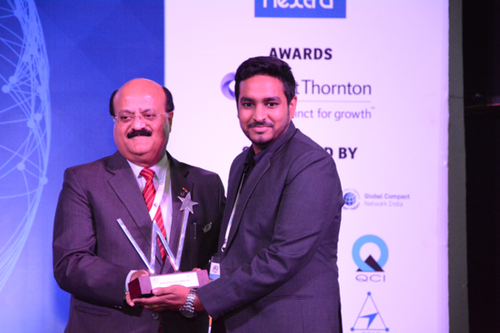 Kunal receiving SME Excellence Awards 1
