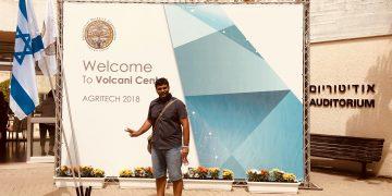 "Meet ""Yash J Padhiyar"" How he is Changing the Life of Farmers through his Startup ""Heer Organics"""