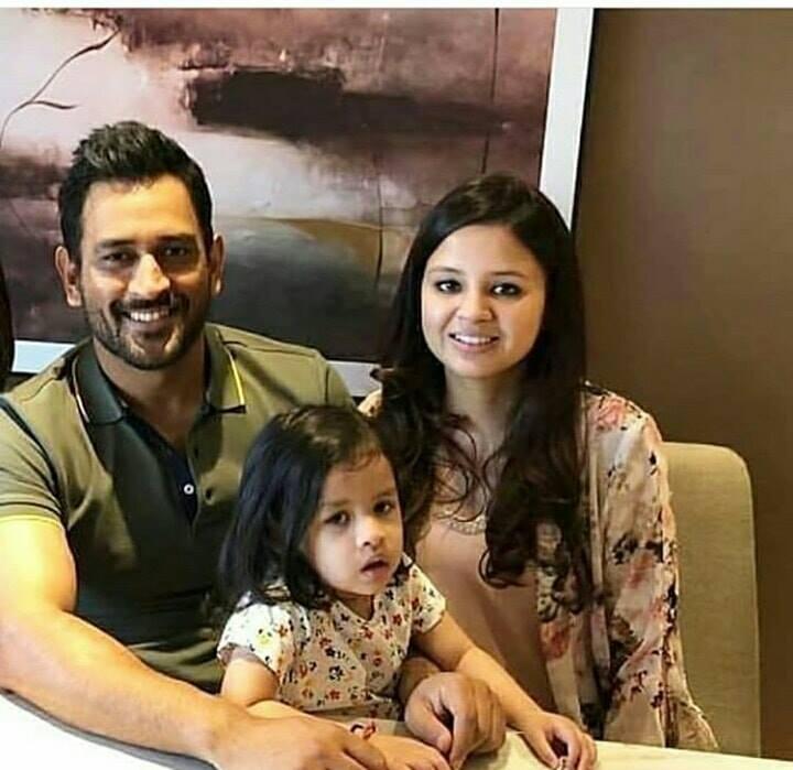 Sakshi Dhoni.Family
