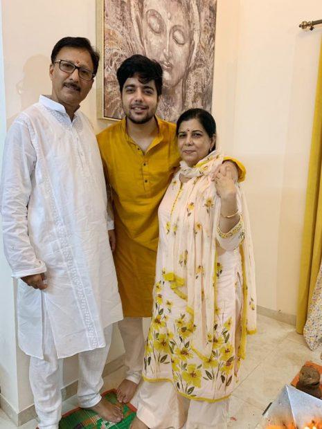 Siddharth Slathia.Family