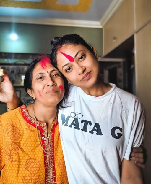 Niharicka Singh with her mother