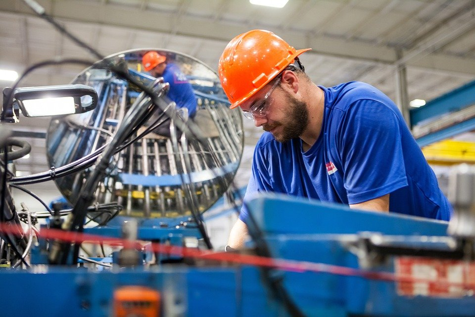 Reasons why manufacturing is an important and great job